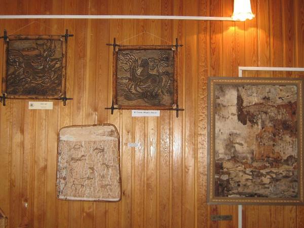 Панно из бересты – экспонаты Сибирского дома сказок © Алёна Груя