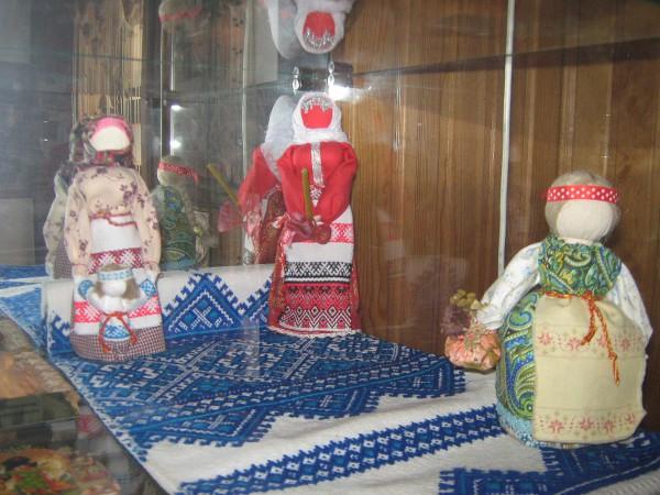 Куклы – экспонаты Сибирского дома сказок © Алёна Груя