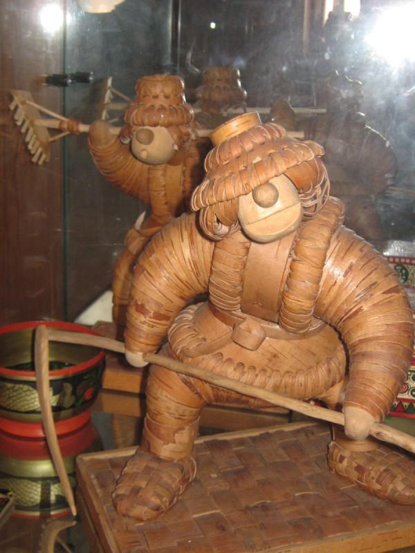 Фигурки из бересты – экспонаты Сибирского дома сказок © Алёна Груя