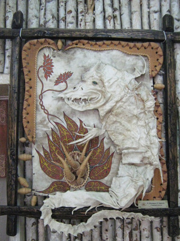 Панно на стене – экспонат второго зала Сибирского дома сказок © Алёна Груя