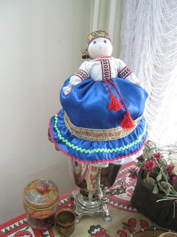 Кукла на самоваре – экспонат музея © Алёна Груя