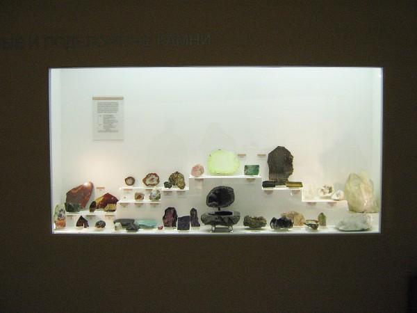 Экспозиция, в которой представлены полудрагоценные камни © Алёна Груя