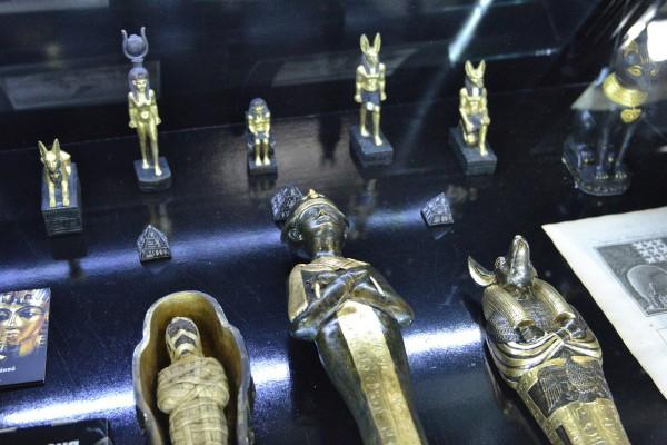 Предметы в египетской экспозиции © Алёна Груя