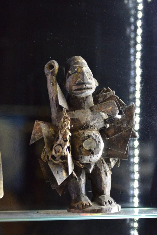 Африканский идол – экспонат Музея мировой погребальной культуры © Алёна Груя