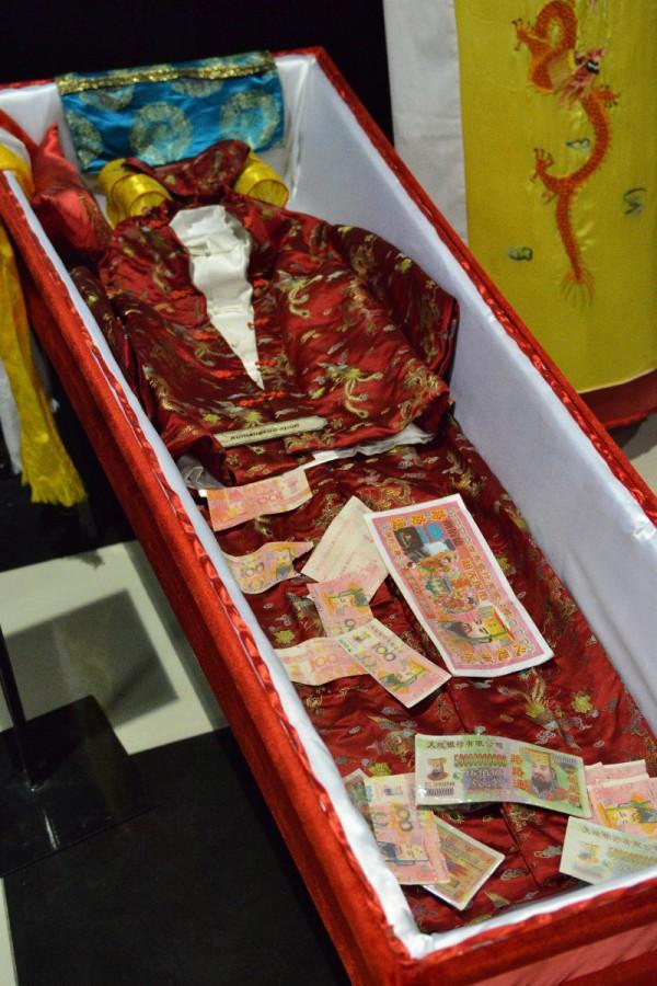 Китайский гроб – экспонат Музея смерти © Алёна Груя