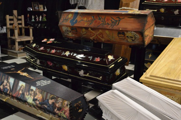 Гробы в коллекции Музея мировой погребальной культуры © Алёна Груя
