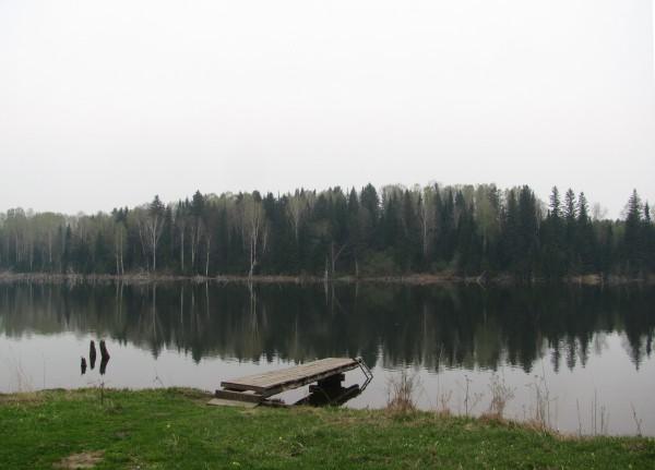 Уютный мостик. С него можно ловить рыбу. © Юлия Полякова